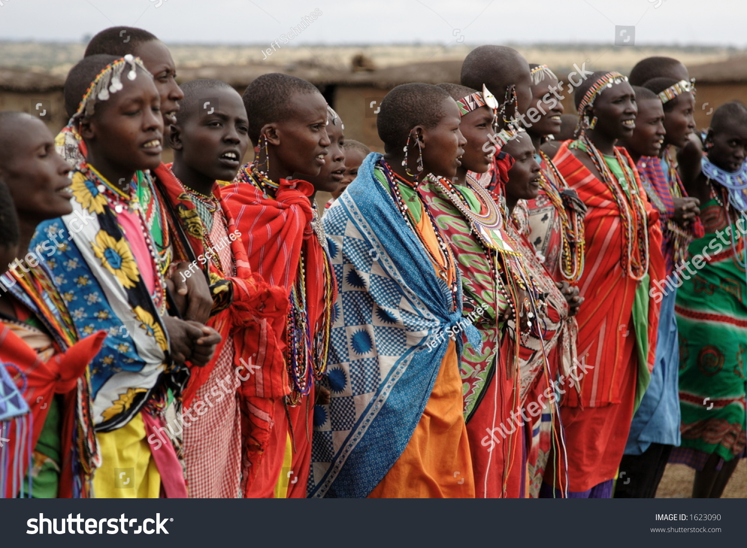massai women Maasai's mission is to empower women whilst helping them feel strong and beautiful during their workouts we hope that wearing  subscribe to the maasai activewear mailing list to receive updates on new arrivals, special offers and other discount information.