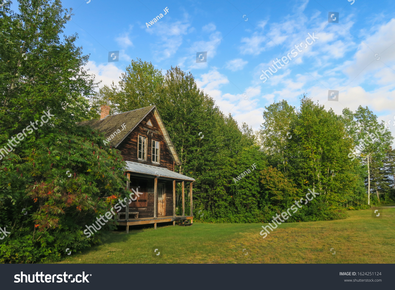 stock-photo-a-wooden-house-at-val-jalber