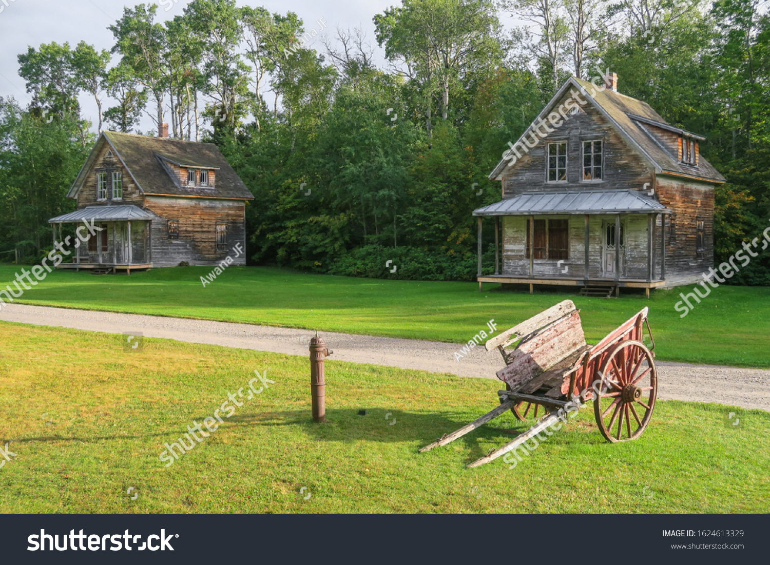 stock-photo-wooden-houses-and-old-wooden