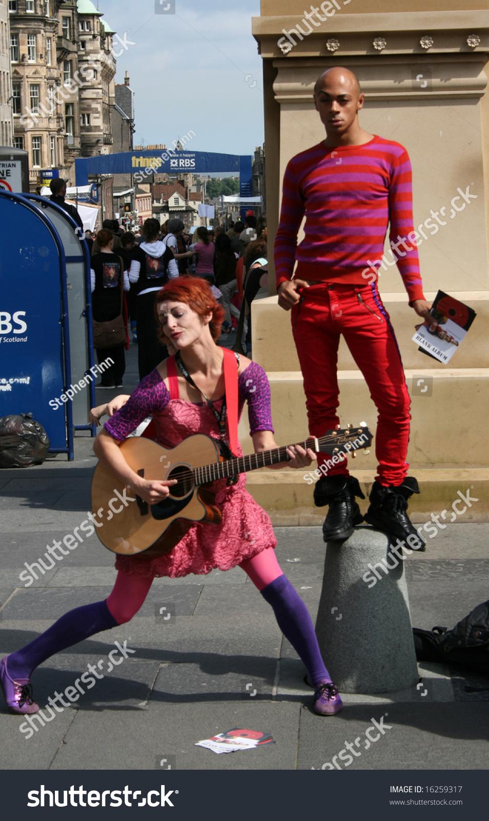 Performers Striking A Pose On Royal Mile During Edinburgh ...