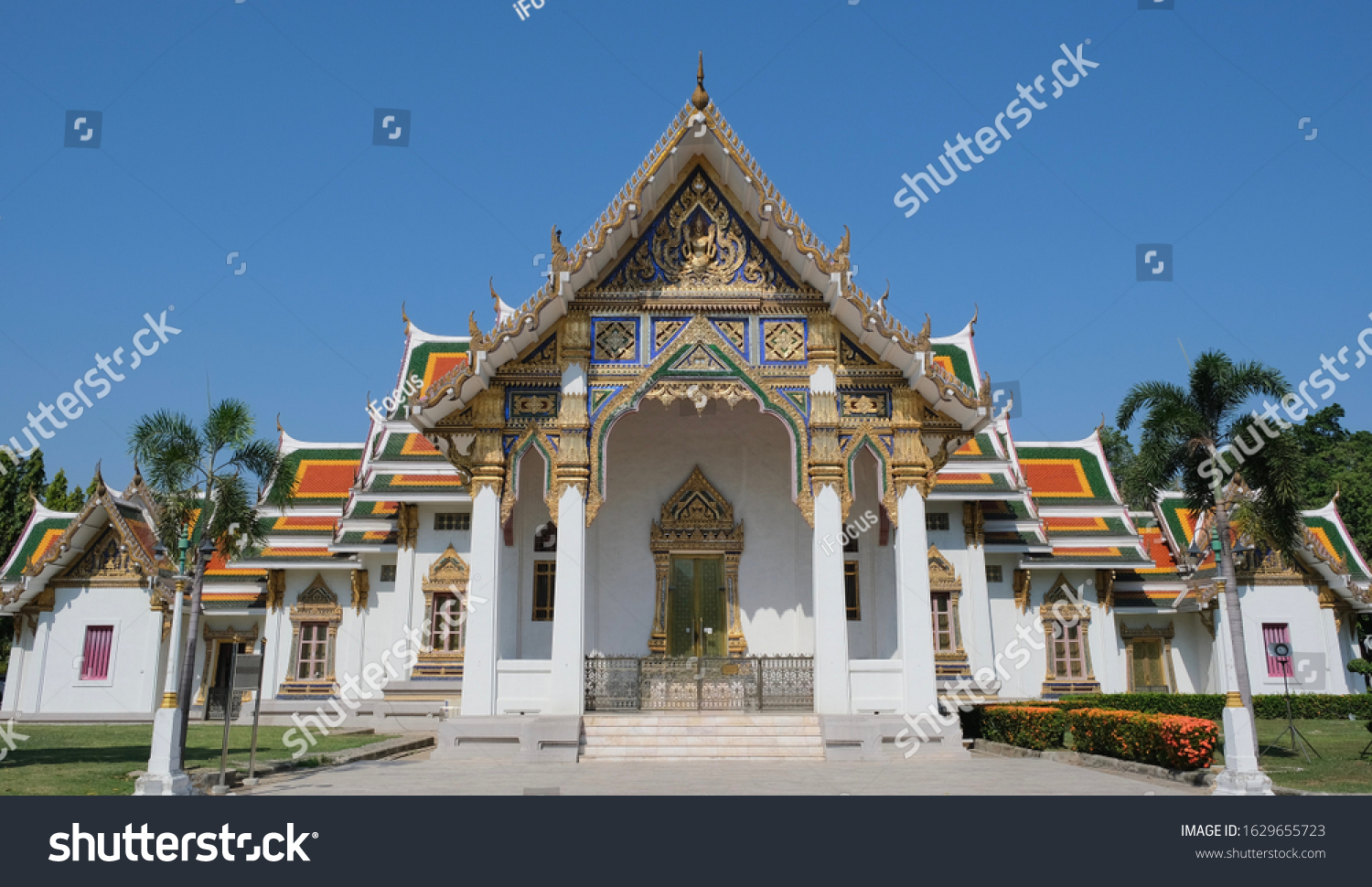 Gorgeous Thai temple bathed in morning light
