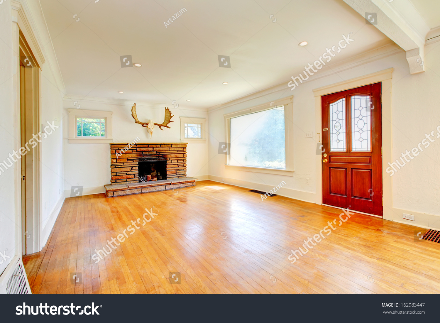 Covered front porch craftsman style home royalty free stock image - Old Small Craftsman Style Home Living Room With Hardwood Floor And Wood Front Door