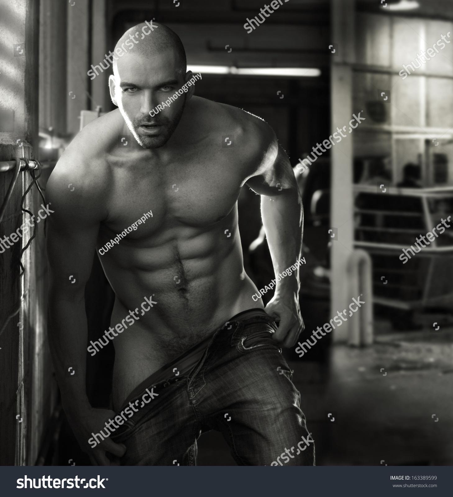 Muscular Men Nude 118