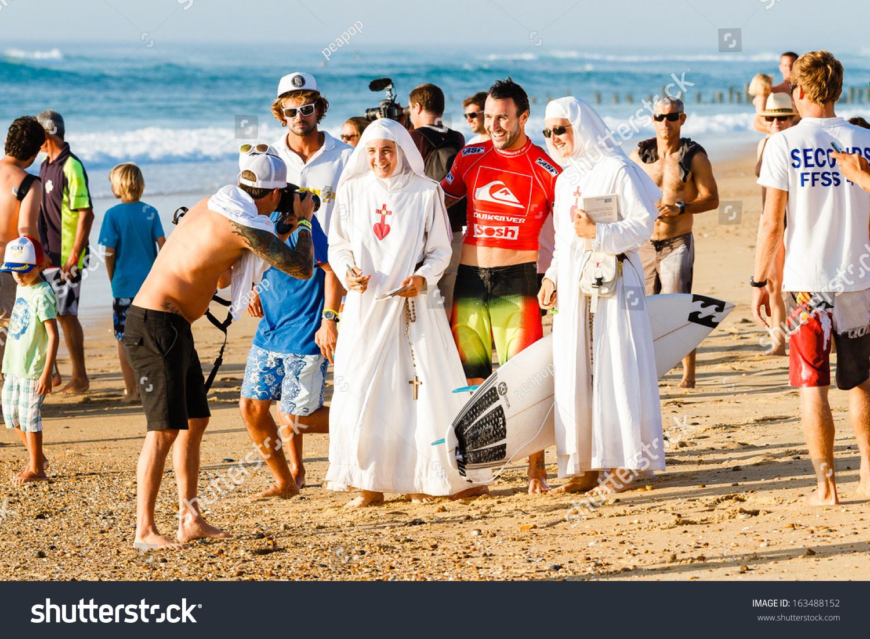 Hossegor France  City new picture : HOSSEGOR, FRANCE SEPTEMBER 26: Joel PARKINSON posing with nuns at ...