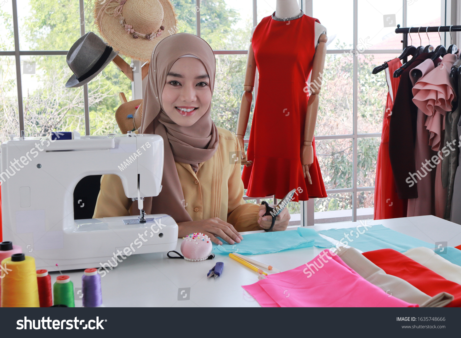 Beautiful Young Woman Muslim Dressmakertailor Fashion Stock Photo Edit Now 1635748666