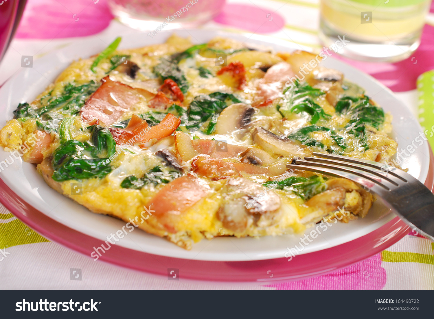 Round Spinach Frittata Mushroomham Bacon Dried Stock Photo ...