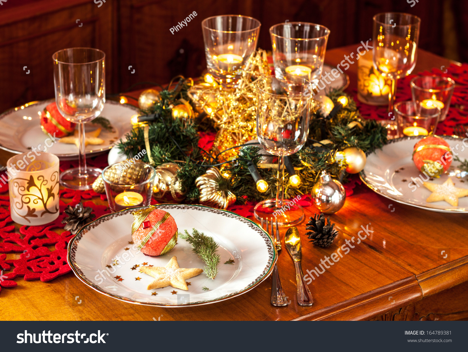 Christmas eve dinner party table setting stock photo Christmas party table settings