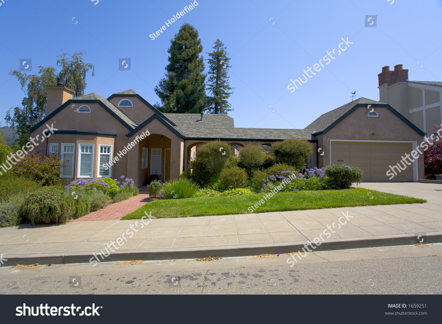 Traditional Ranch Style Home Stock Photo 1659251