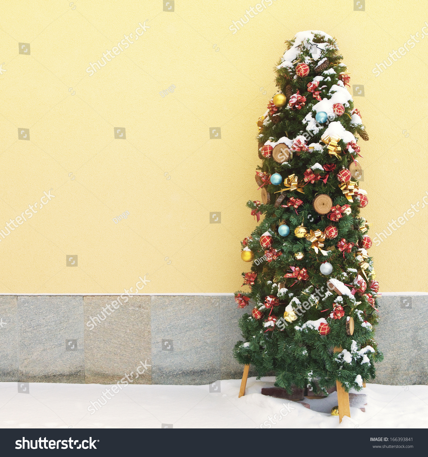Series of images setting up a Christmas tree from putting up the ...