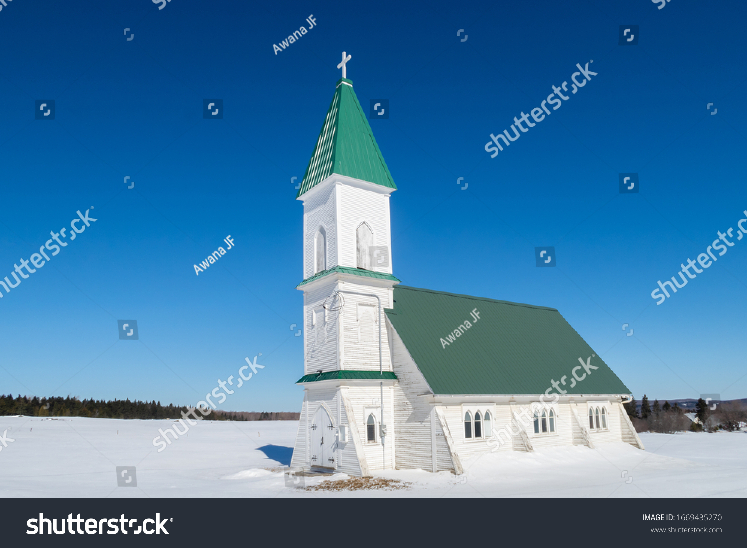 stock-photo-winter-view-of-christ-church