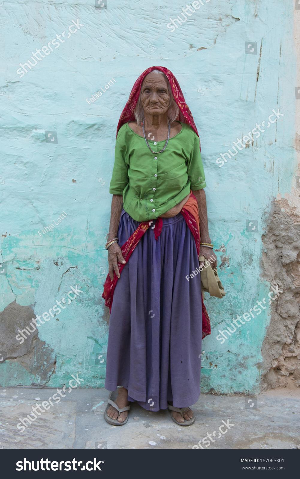 Mandawa India  City new picture : MANDAWA, INDIA 17 OCTOBER 2013 Full figure of unidentified old ...