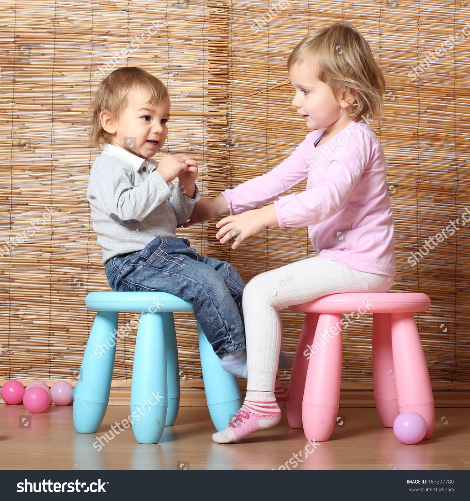 Siblings Talking Stock Photos & Siblings Talking Stock Images - Alamy
