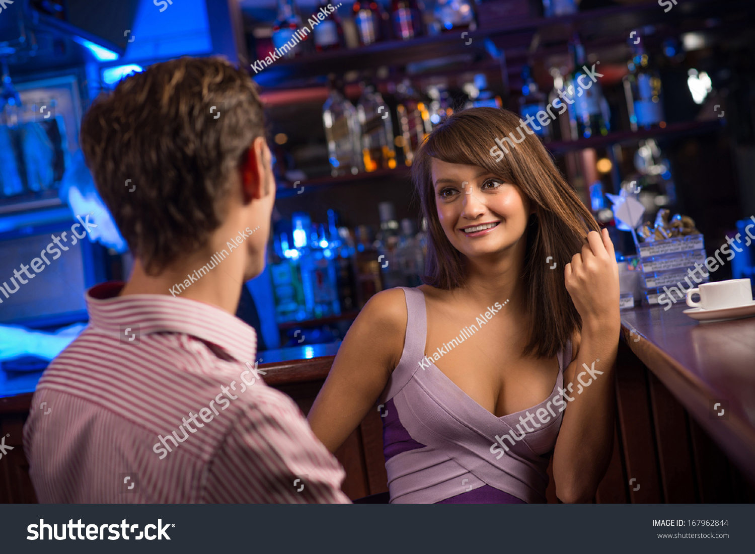 dating a girl that works at a bar At the top of your opera window, near the web address, you should see a gray location pinclick it in the window that pops up, click clear this setting you're good to go reload this yelp page and try your search agai.