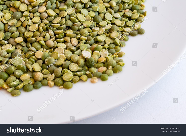 stock-photo-closeup-of-raw-split-peas-in