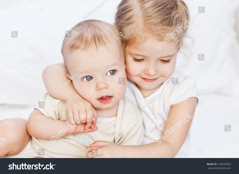 Фото в контакте секс брат с сестрой 19 фотография