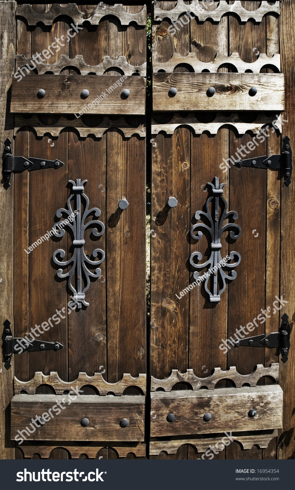 Worn Out Old Wooden Door Stock Photo 16954354 Shutterstock