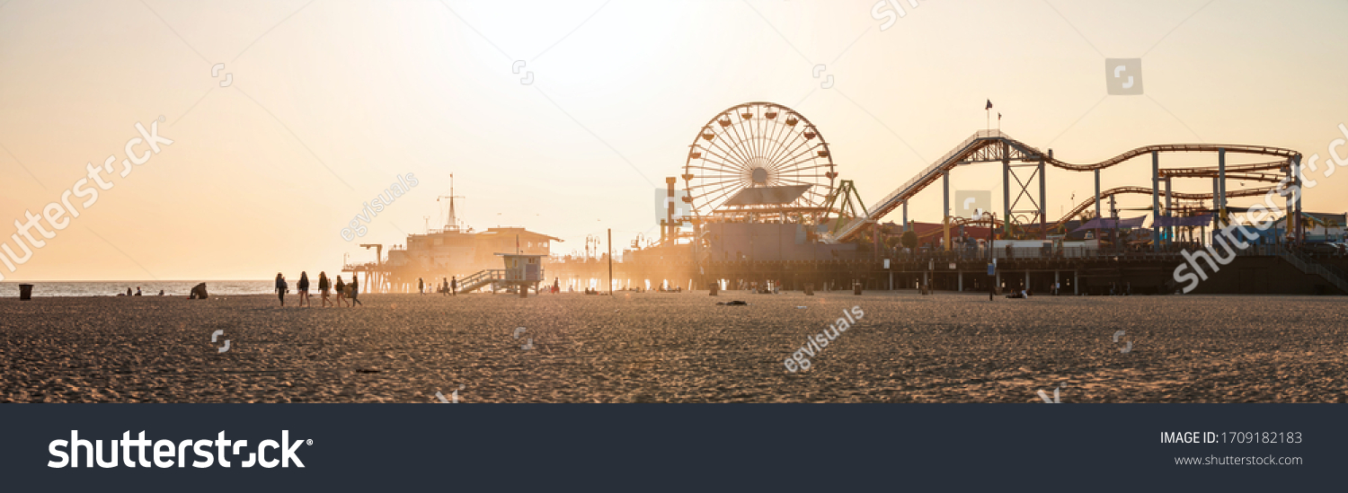 Panoramic view of the Santa Monica Beach and the Pier  #1709182183
