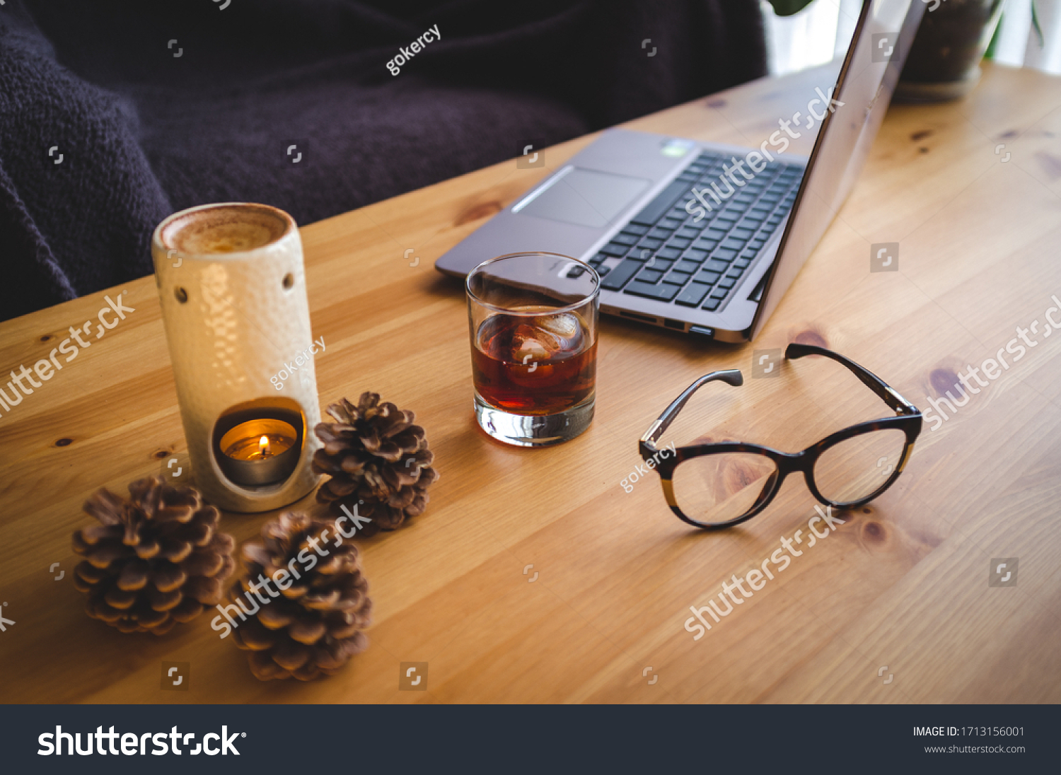 stock-photo-cozy-minimalist-workspace-wi