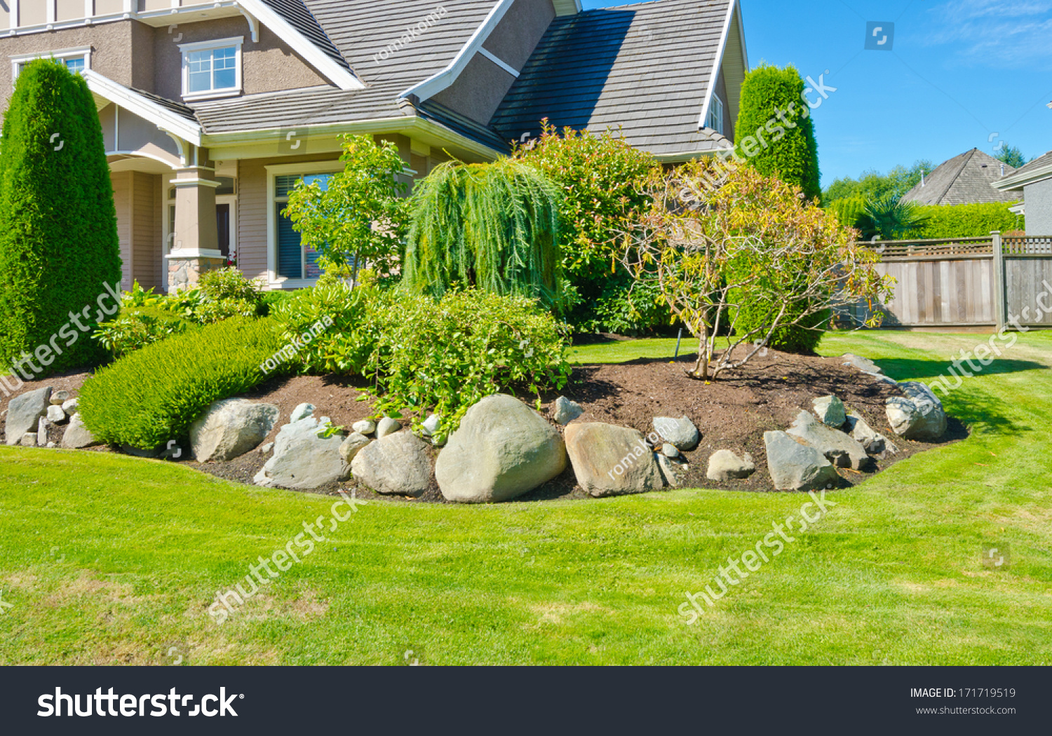 Flowers Stones Nicely Trimmed Bushes Front Stock Photo 171719519 ...
