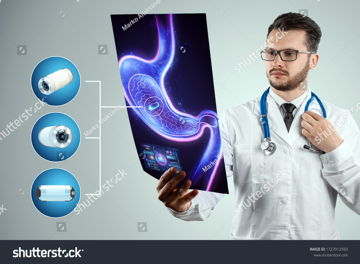 Doctor against the background of a hologram of the stomach, A camera the size of a capsule in the stomach, an endoscopy procedure. Digestive tract disease concept. Mixed medium, copy space #1727012593