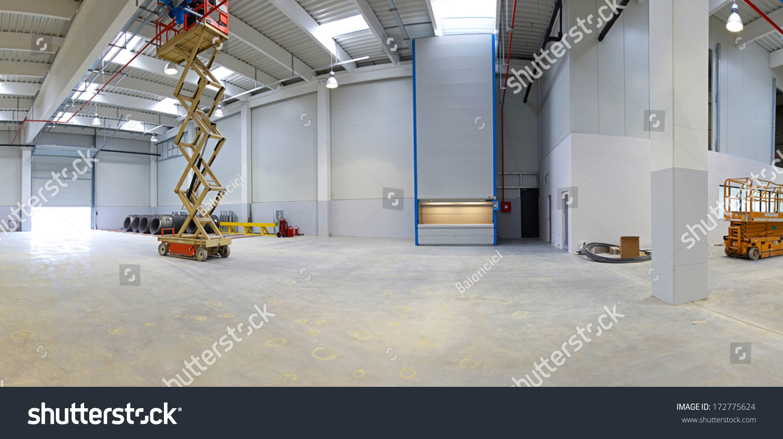New Factory Hall Hydraulic Scissors Lift Stock Photo (Edit Now