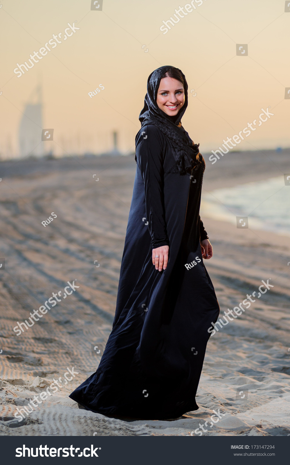 "sundown middle eastern single women It's common to have one meal, the suhoor, just before sunrise and another known   illnesses, travellers, the elderly and women who are menstruating, pregnant,   the term ""ramadan"" comes from the arabic word ramiḍa or."