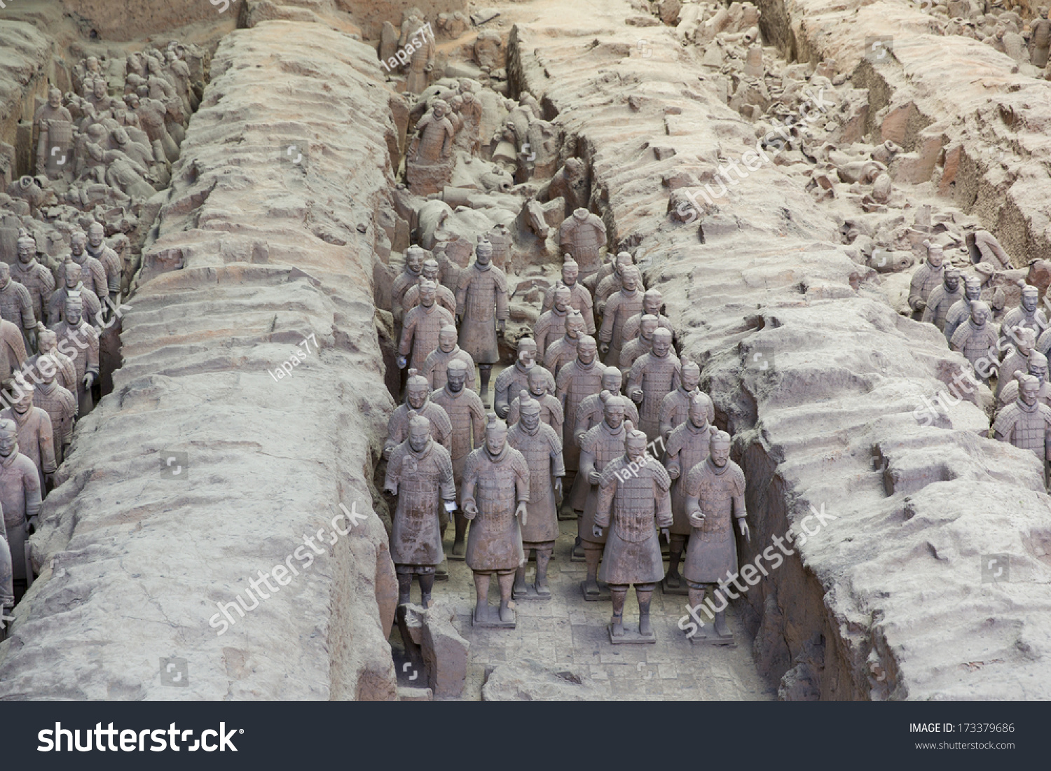 unearthing the site of the terracotta army in the shaanxi province of china China an army of terracotta clay warriors still guards the tomb of china's first   shaanxi province and the home of life-size terracotta soldiers,.