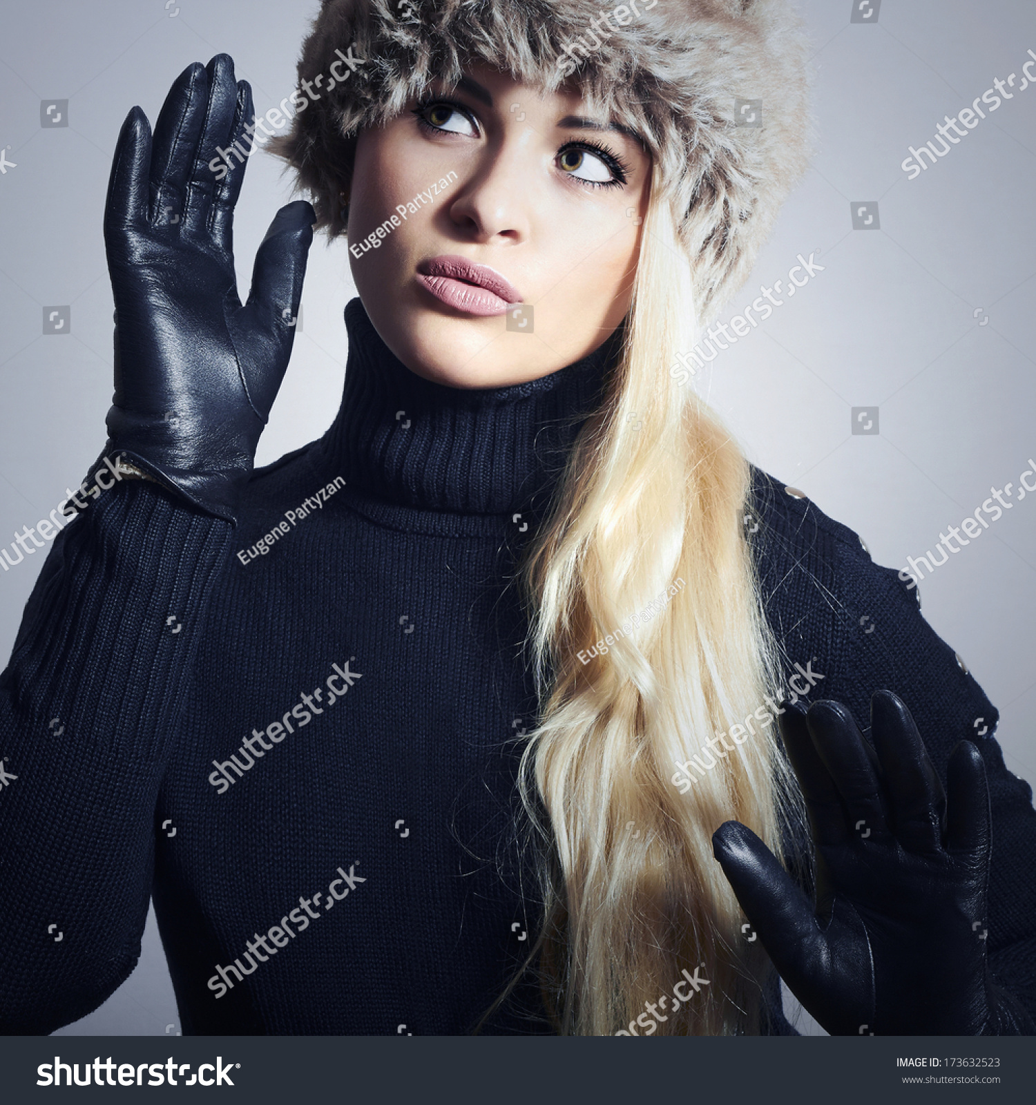Black leather gloves with fur - Beautiful Fashion Girl In Fur Hat Beauty Blond Woman In Leather Gloves Black Sweater