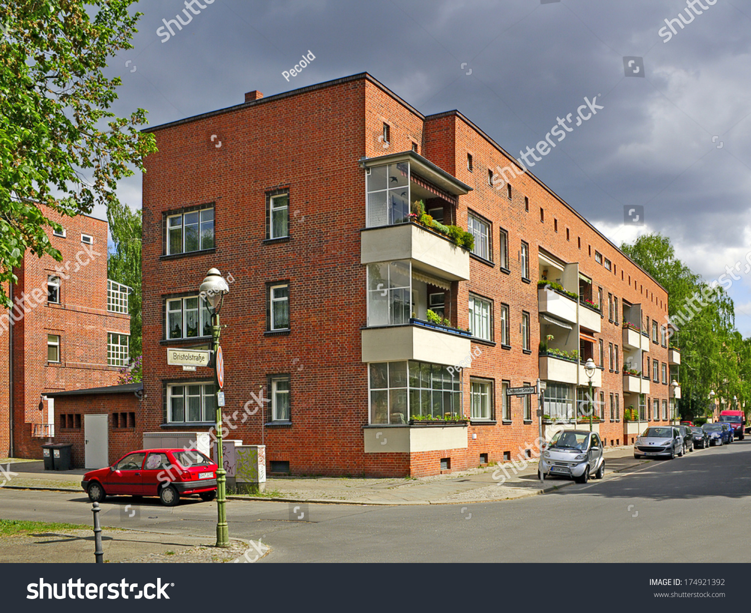 berlin siedlung schillerpark germany may 4 stock photo royalty free