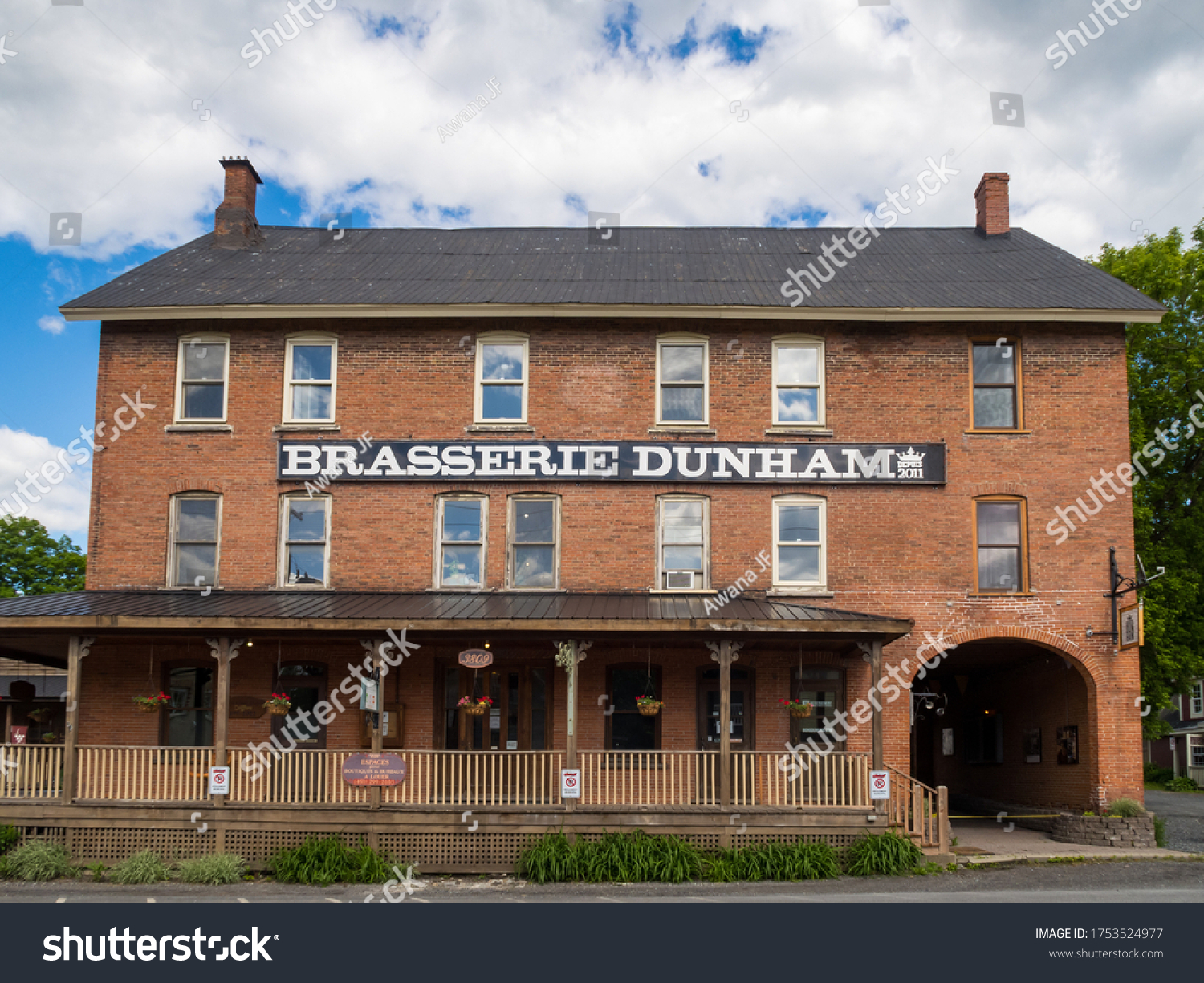 stock-photo-dunham-canada-june-front-vie