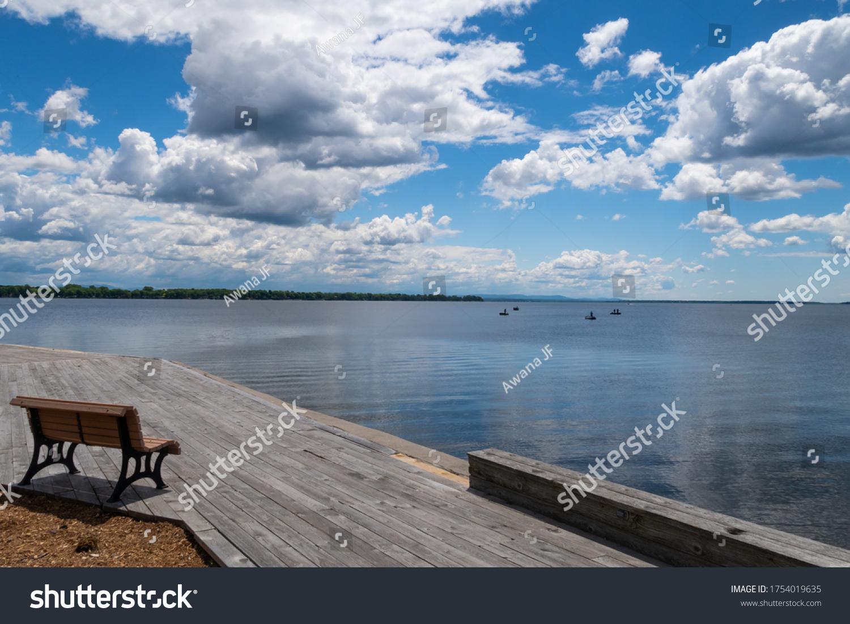 stock-photo-peaceful-view-of-venise-en-q