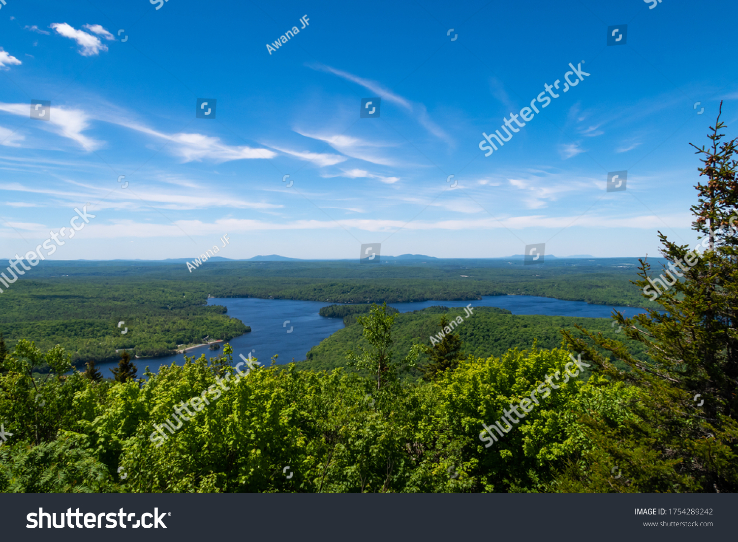 stock-photo-beautiful-view-of-the-mont-o