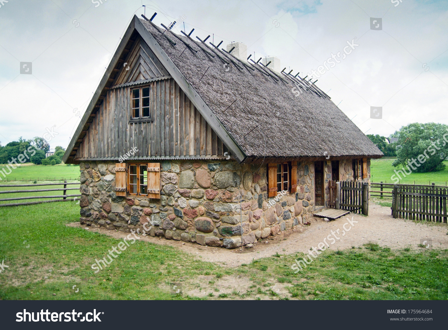 Traditional Polish House Stock Photo 175964684 Shutterstock