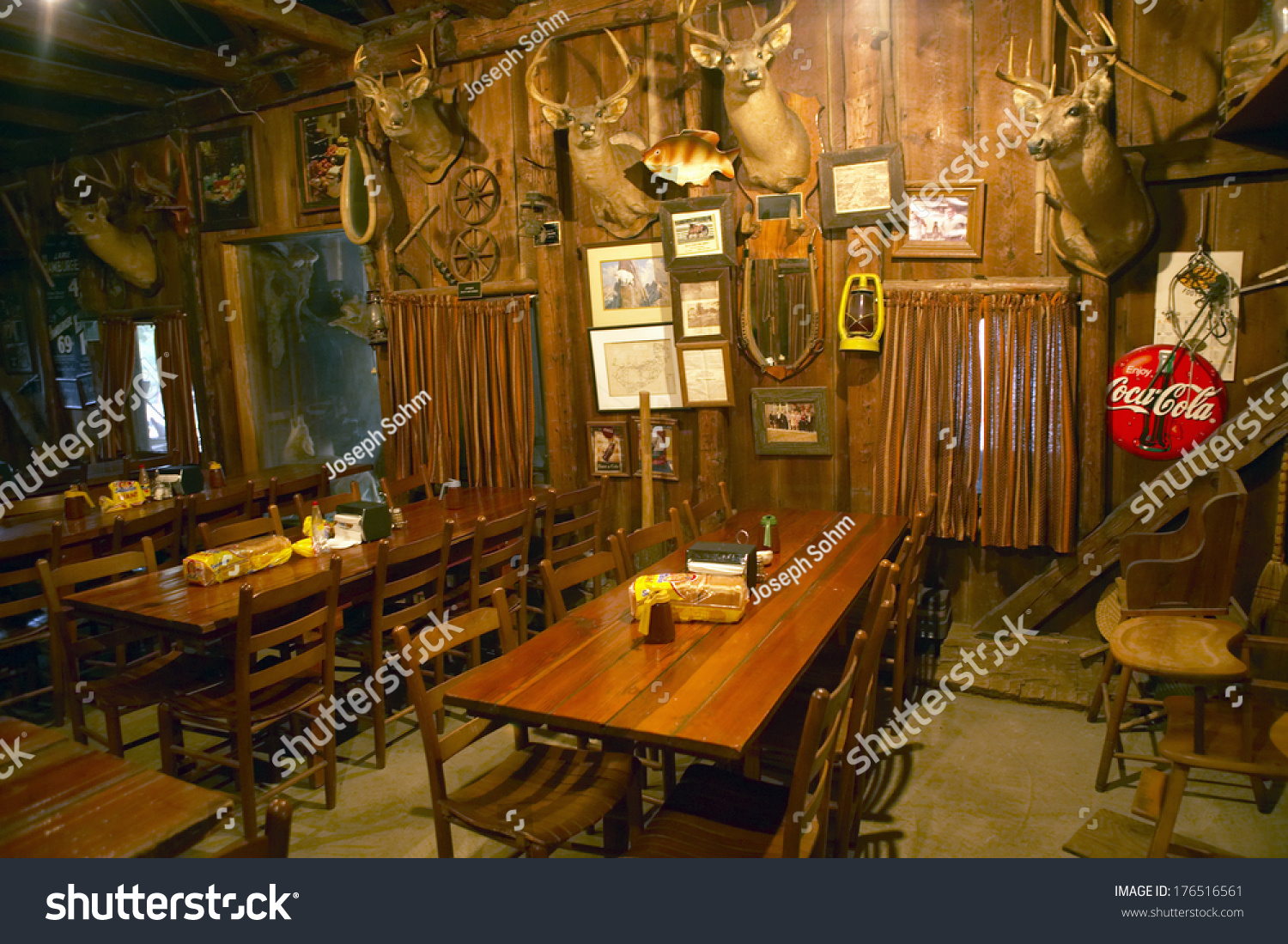 Hunting lodge interior - Interior Of Rustic Old Restaurant With Hunting Lodge