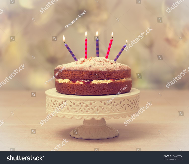 Victoria Sponge Or Madeira Cake For Birthday Cake