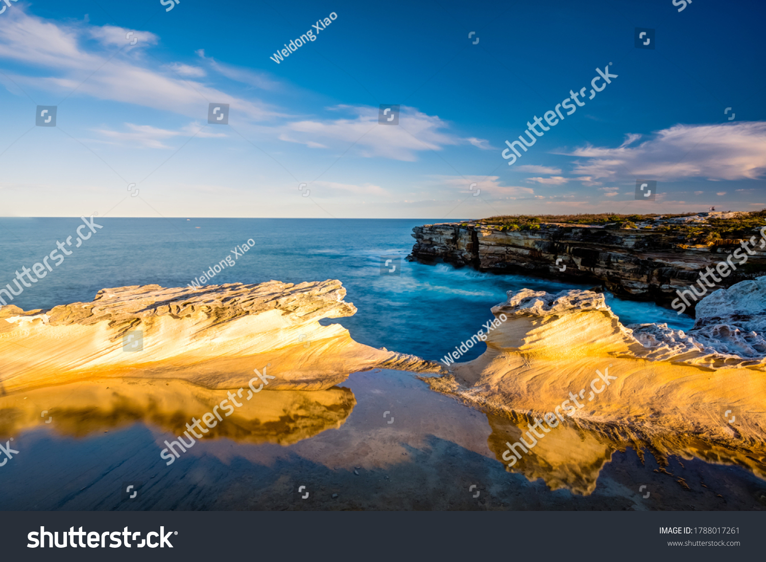 The beautiful coastline of Botany Bay National Park in an Afternoon #1788017261