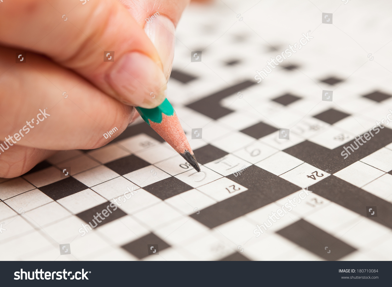 how to make a crossword puzzle by hand