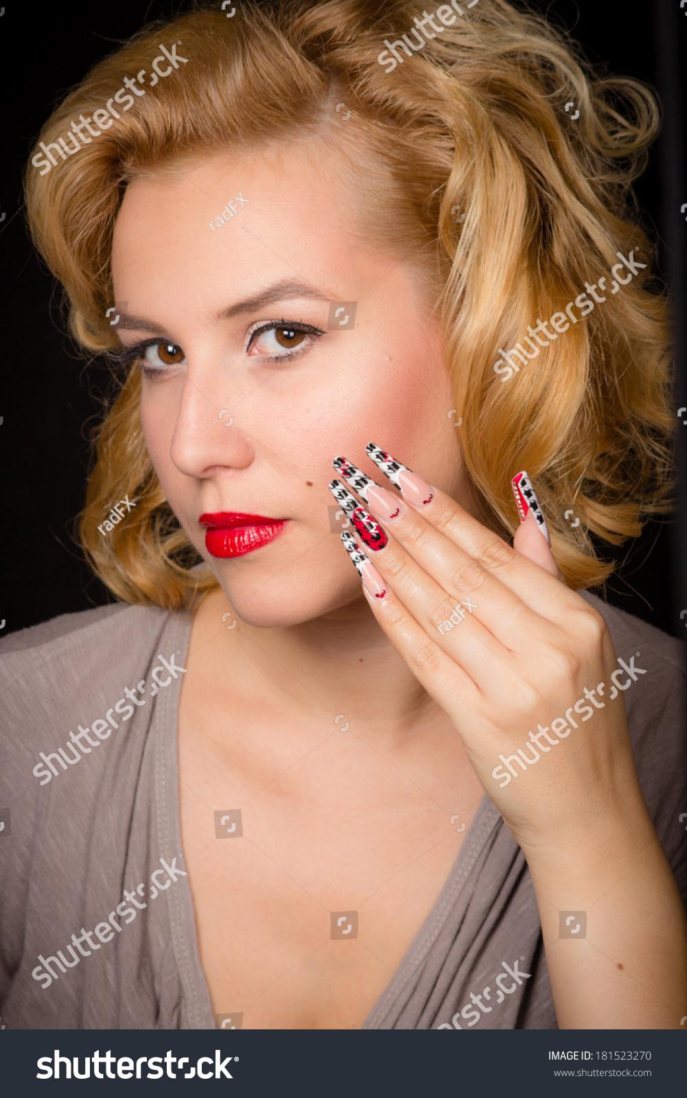 Pretty Blond Girl Model Like Marilyn Stock Photo 181523270 ...