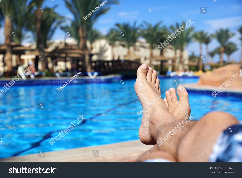 Фото ноги в бассейне 9 фотография