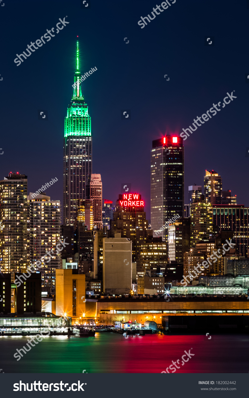 Weehawken (NJ) United States  city photos gallery : WEEHAWKEN, NJ, UNITED STATES MARCH 16, 2014: Empire State Building ...
