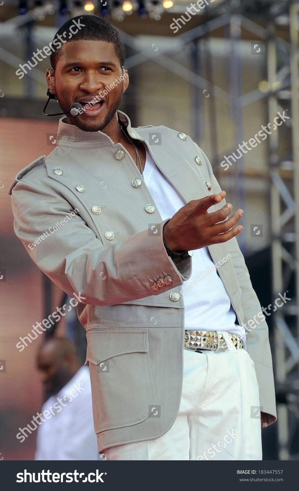 Usher On Stage Abc Gma Concert Celebrities Stock Image 183447557