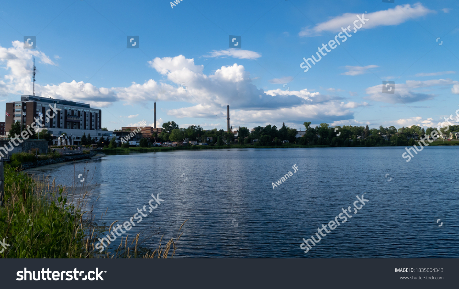 stock-photo-view-of-the-osisko-lake-in-r