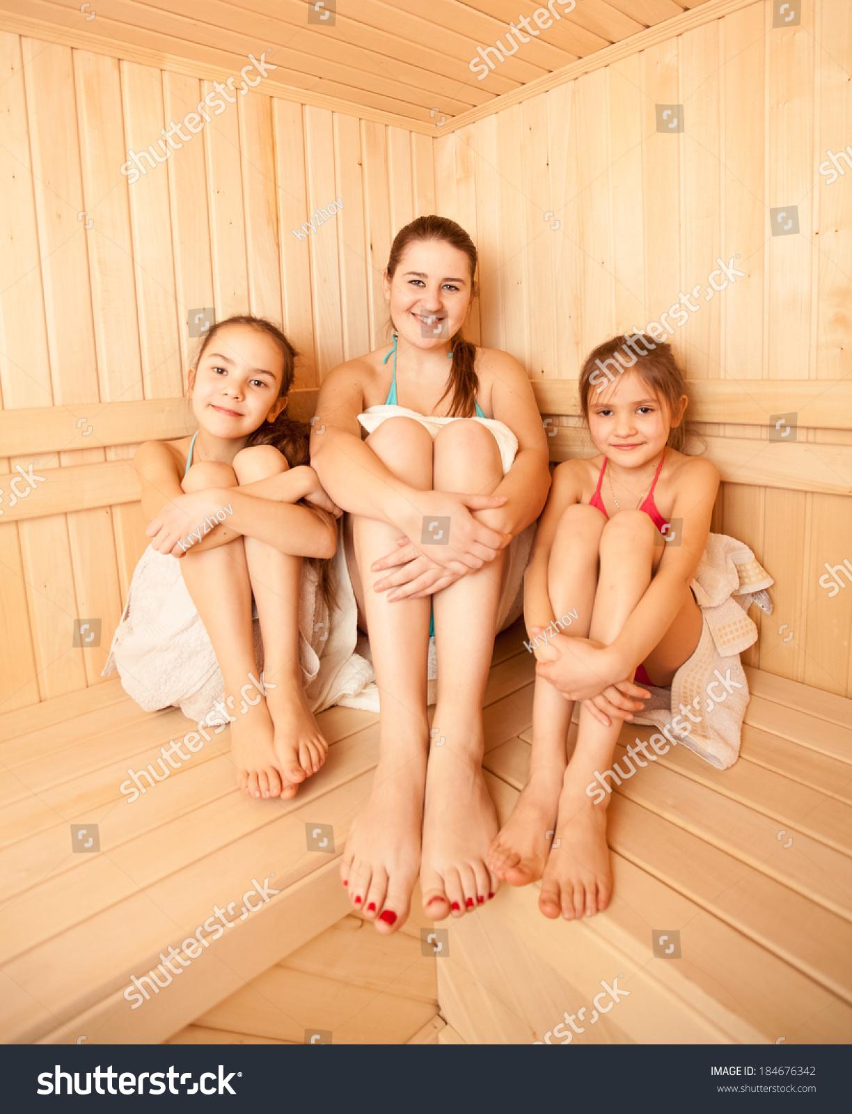 Фото девочек в сауне 27 фотография