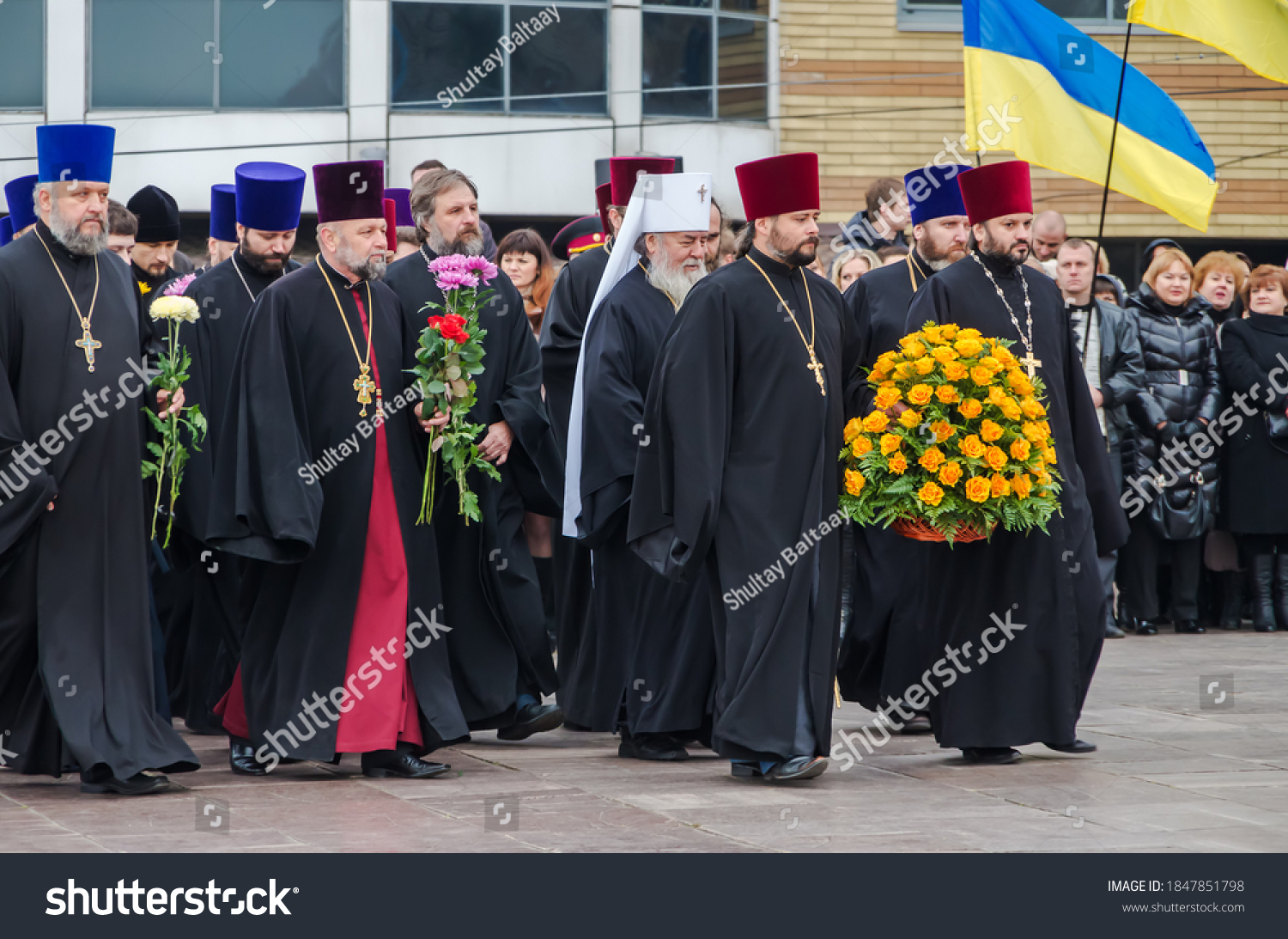 stock-photo-orthodox-priests-of-the-mosc