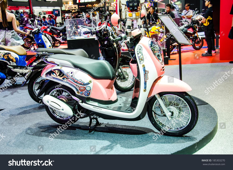 BANGKOK MARCH 24 Honda Scoopy Motorbike Stock Photo Edit Now