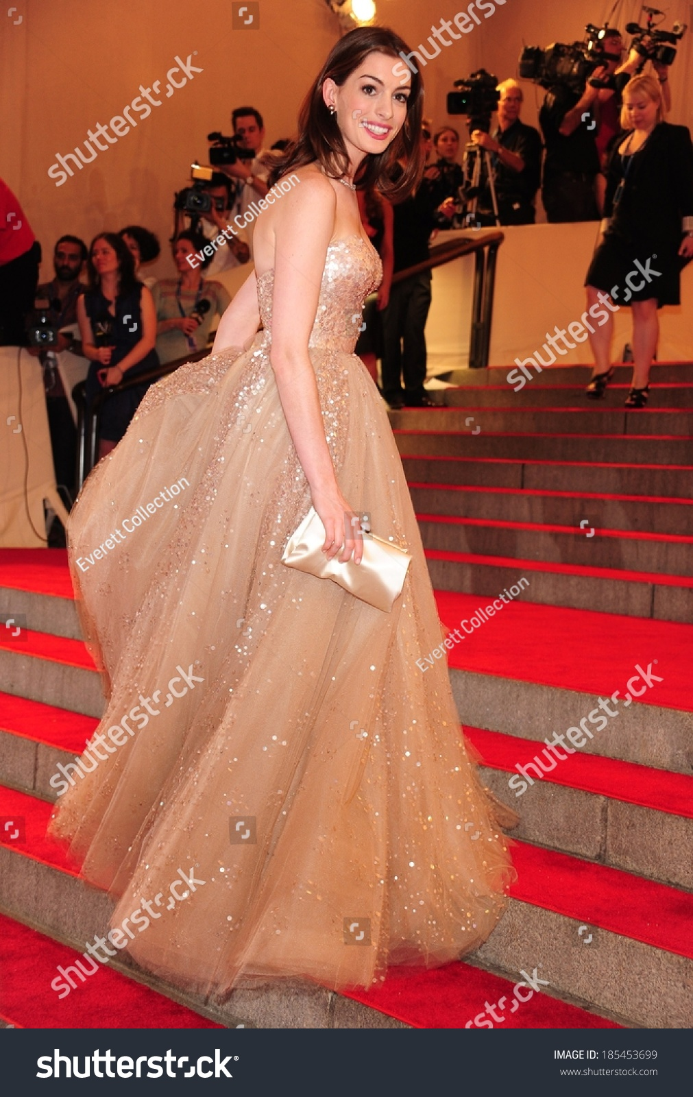 Anne Hathaway Valentino Gown American Woman Stock Photo (Edit Now ...