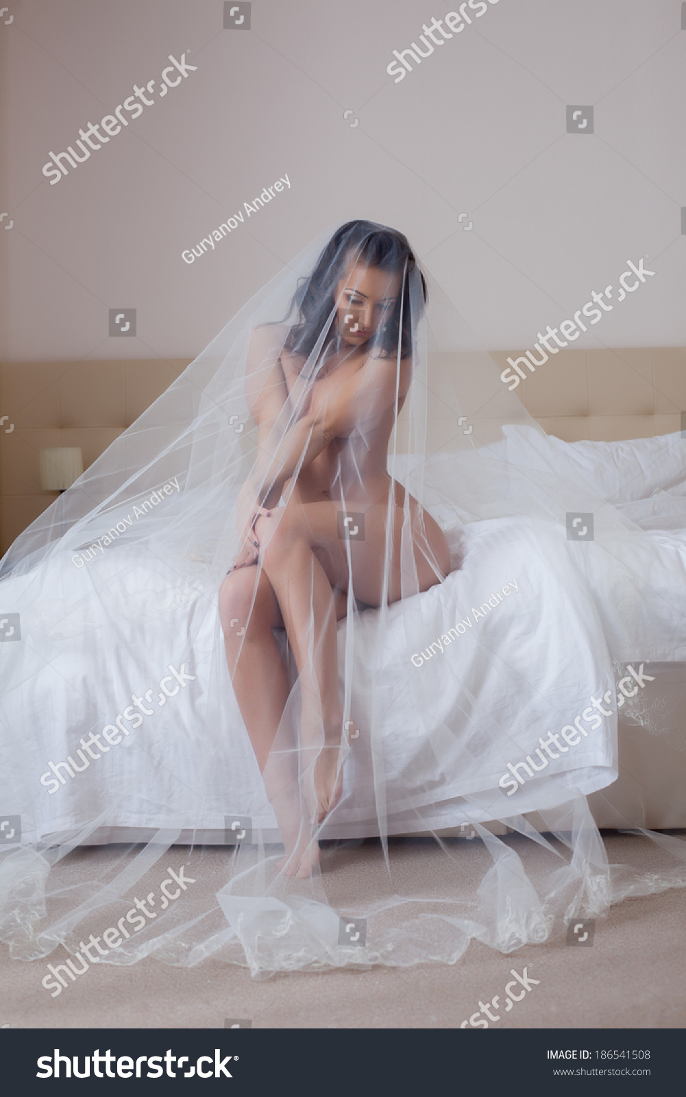 girl in veil naked
