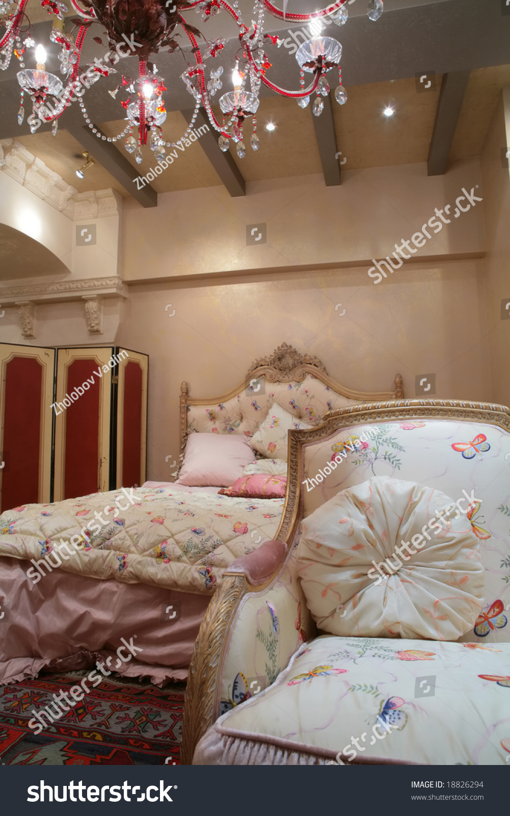 ... Retro Interior With Luxurious Bad Stock Photo 18826294 : Shutterstock