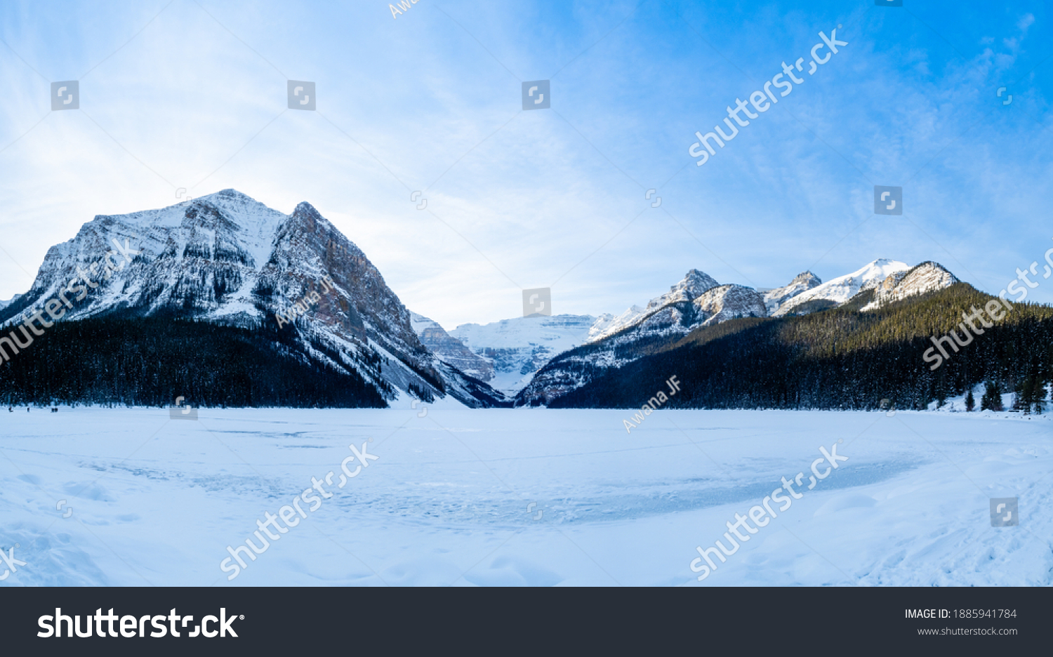 stock-photo-panoramic-view-of-the-lake-l