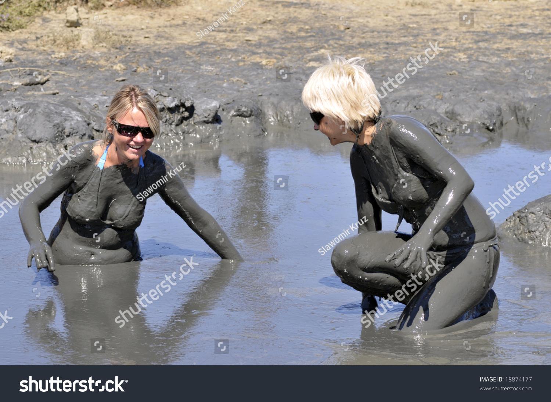 Down and dirty dash mud run for women set | Running | SPIN.PH